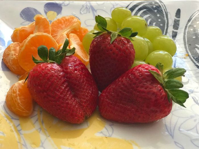 Heart Healthy Fruit Florida Fruit Tangelos Grapes Strawberries Food And Drink Food Healthy Eating Fruit Freshness Still Life Strawberry Berry Fruit No People Indoors  Close-up Ready-to-eat Multi Colored High Angle View Wellbeing Variation Plant Part Leaf Table Choice