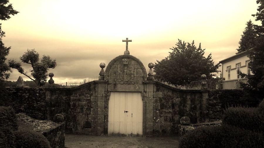 Galicia Traveling Pazo Sepia