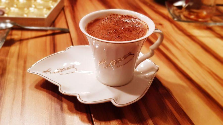 Türkkahvesi Türkkahvesicandır Türkkahvesi Sohbet Mocha Frothy Drink Drink Cappuccino Latte Table Saucer Wood - Material Coffee - Drink Brown Espresso Caffeine