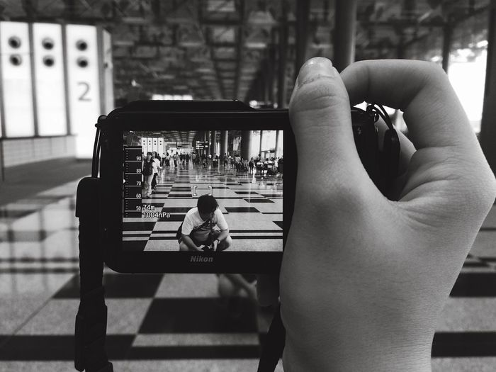 would you wanna be the one getting snapped or be the one snapping? Changiairport EyeEm Best Shots Eyeemgallery Photography Singapore Taking Photos Nikon Dof-EEA3SG EEA3 - Singapore Blackandwhite