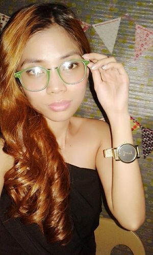 Hi! That's Me Wearing Glasses Keeping It Simple Simplicity Smart Simplicity Stay True, Be YOU ❥ ExpressYourself Looking Cute Fashion&love&beauty KAWAII