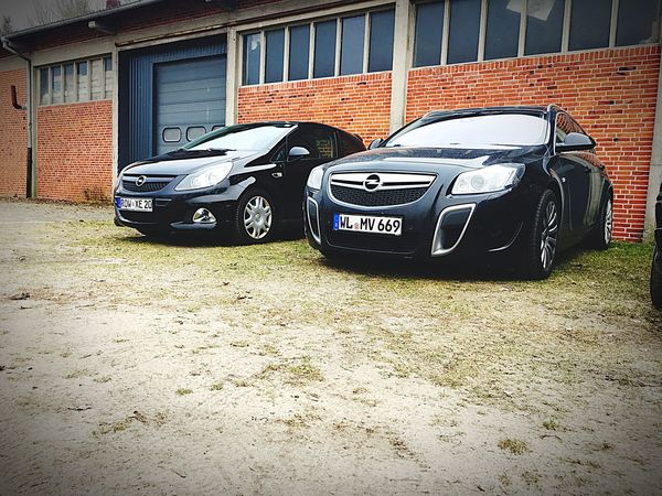 Der grosse und der kleine opc Car Building Exterior Parking Lot Land Vehicle Transportation Parking Outdoors Stationary Built Structure Corsa Insignia OPC Opel Hobby No People Architecture