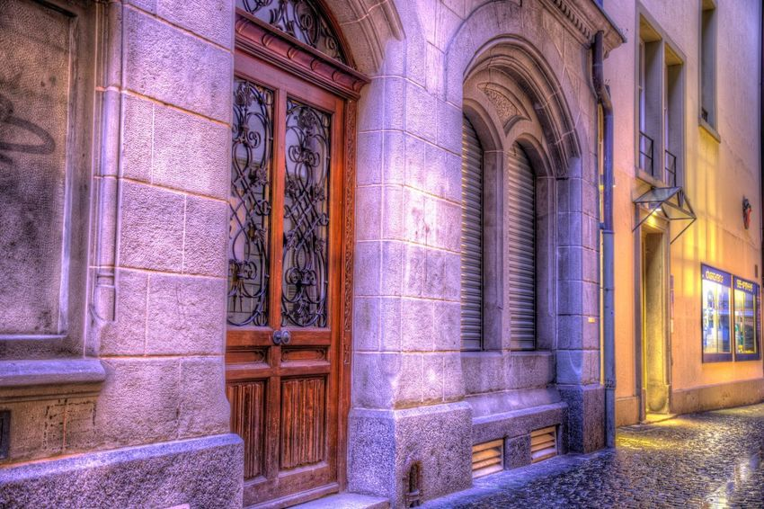 DDESIGN HDR PICTURE EyeEm Best Shots HDR First Eyeem Photo Architecture Building Built Structure No People Window Building Exterior Arch Pattern Wall Glass - Material The Past Wall - Building Feature Entrance House Glass Architectural Column Door Old Day History EyeEmNewHere The Creative - 2018 EyeEm Awards The Street Photographer - 2018 EyeEm Awards The Architect - 2018 EyeEm Awards