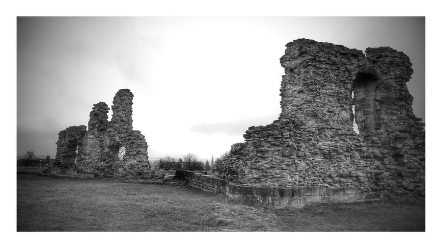 Day 6. Sandal Castle in wakefield. One Photo A Day 2016 Showcase: January Samsung Galaxy S6 Edge Black And White Mobilephotography Wakefield Castle Ruins Nature On Your Doorstep Beauty In Nature Yorkshire SamsungElite