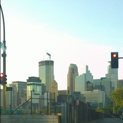 Stop &Snap, Who wouldn't shoot a photo of that Beautiful Minneapilsskyline 🌃. Redlight , Franklinavenue Southmnpls Downtown Minneapolis Mn Twincities 612