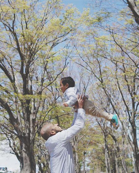 神様よりも大好きです Eyem Gallery EyeEm Gallery 青空 Children Photography Children Bluesky Eyeemphotography EyeEm Best Shots Eyem Best Shots Tree Plant Leisure Activity Day Branch Lifestyles