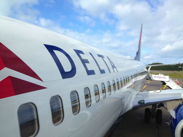 Delta Airlines Bermuda Delta Airlines Airplane Reflections Boarding Plane Airplane_lovers Airline