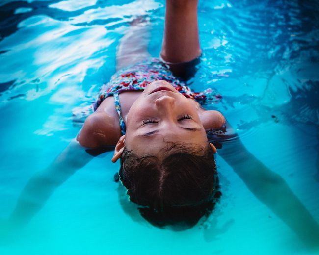 Summer Summertime Girl Child Childhood UnderSea Water Swimming Swimming Pool Underwater Healthy Lifestyle Close-up