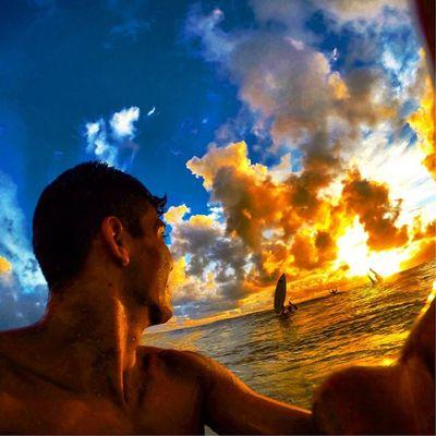 Estamos no mundão, só de passagem! 🌊🏄⛅️🌀🙌☀️😍 Allallauu StillCommunication Surf - LifeInStyle - Lifeapp - Photooftheday via @lifeapp PerfectWaves C3 LiveTheSearch