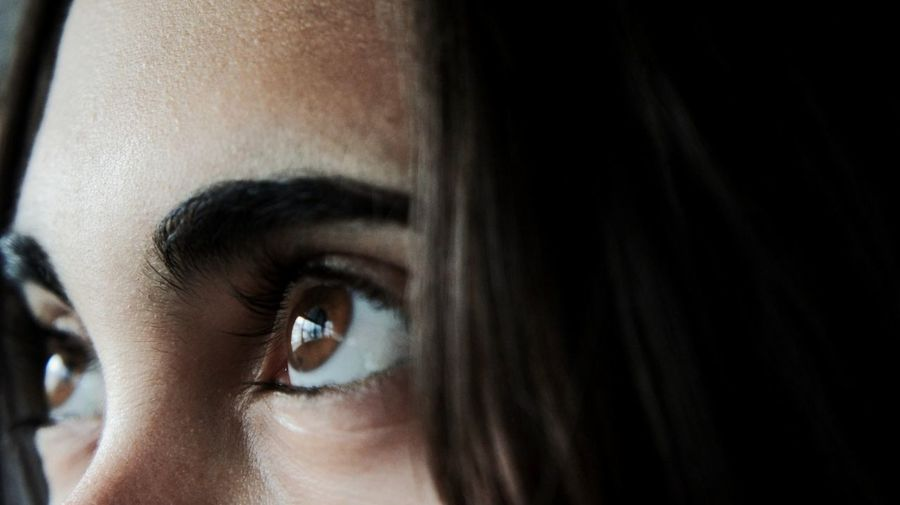 I see light Eyes See See The World Through My Eyes Brown Eyes See The World Eyes Are Soul Reflection Eye Brows And Lashes  Light Girl Face Feelings