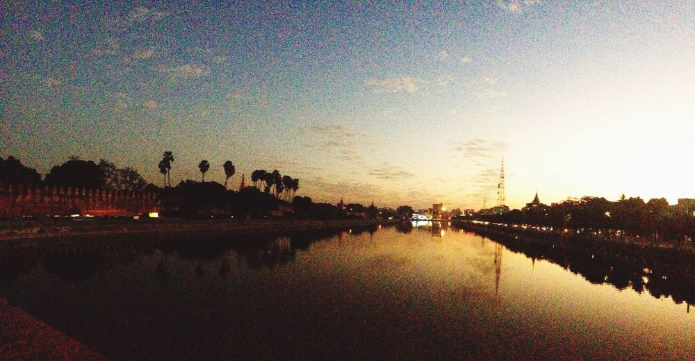 Moat Sunset Lastlightoftheday Eyeemmyanmar Mandalay NopplsSky Water Reflection City