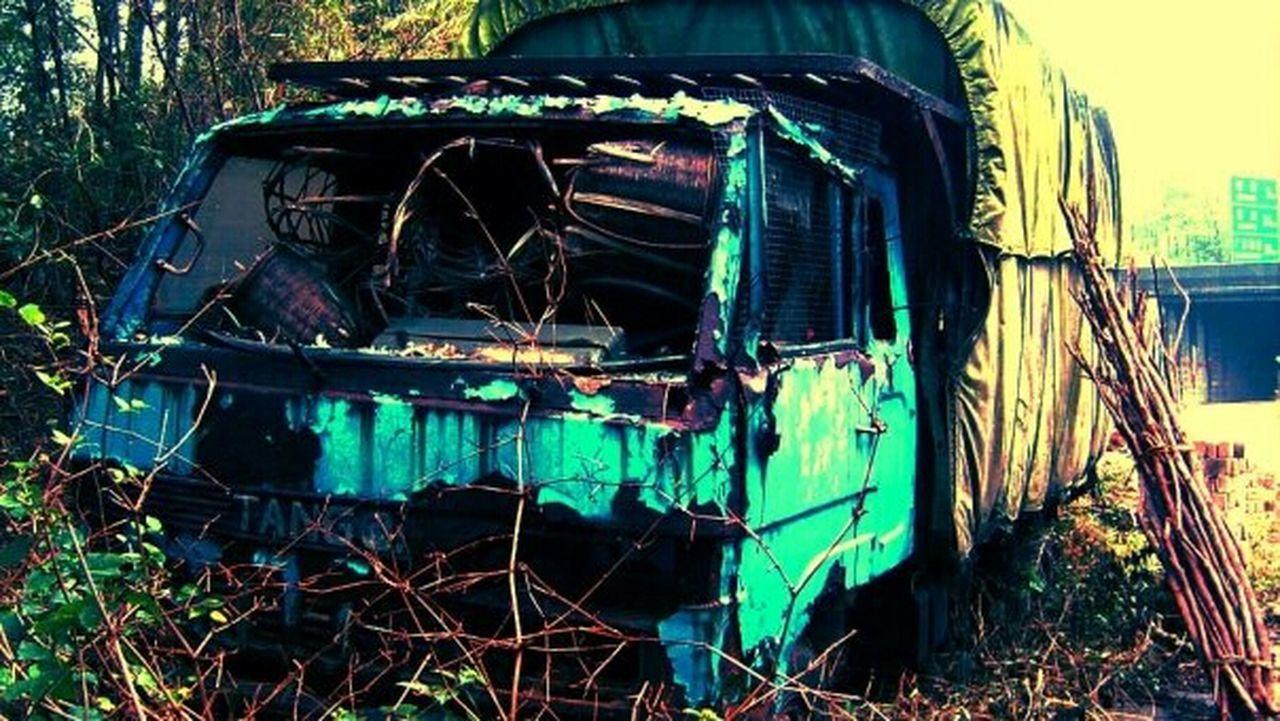 destruction, damaged, abandoned, no people, outdoors, day, close-up