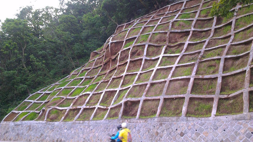 Built Structure Criss Cross Hillside Mountain Slope Pattern Peeled Mountain Squares Textures And Surfaces The Street Photographer - 2016 EyeEm Awards The Following My Commute YangMingShan Taiwan Feel The Journey