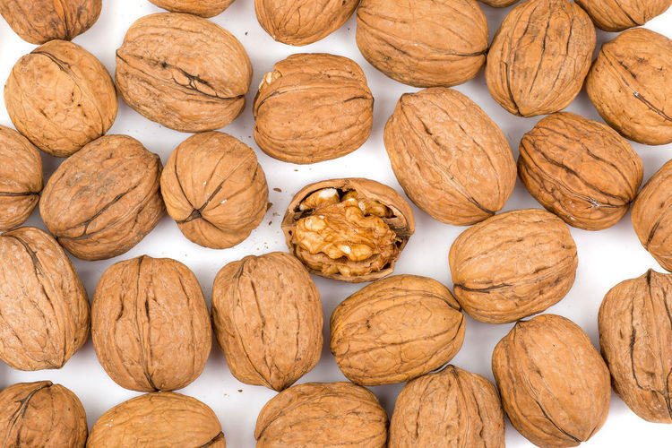 Abundance Backgrounds Brown Close-up Cracked Shell Food Food And Drink Freshness Full Frame Healthy Eating Healthy Living Healthy Mind Indoors  Large Group Of Objects Memory No People Nu Nut - Food Nut Shell Nutshell Still Life Superfood Superfoodsuperboost Walnut White Background