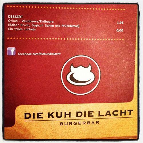 Ein tolles Lächeln gibt's hier im Schnell-Restaurant gratis :) Imbiss Burger Restaurant Karte Kostenlos Lächeln Gratis