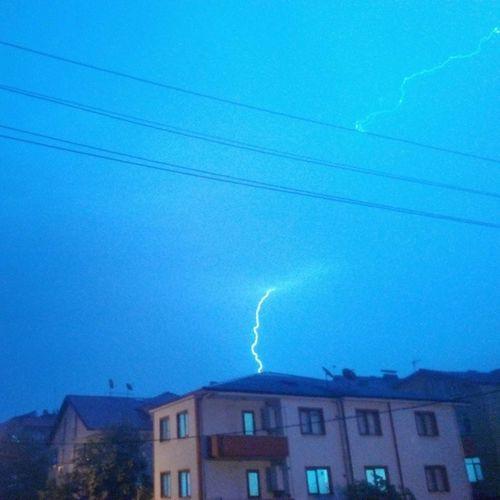 Şimşeği fotoğraflamak kolay iş değil :D Lightning Shock Rain Cloud