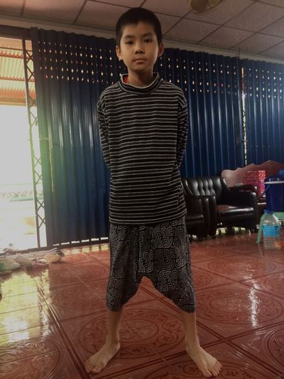 ☺️😘😍👌yong son👌😜😍😘 Looking At Camera Portrait Standing Front View Full Length One Person Childhood Lifestyles Indoors  Leisure Activity Real People Day People