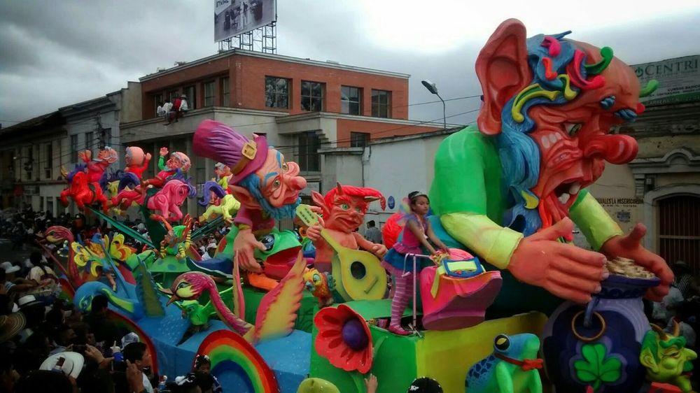Taking Photos Enjoying Life Art Carnavales2014