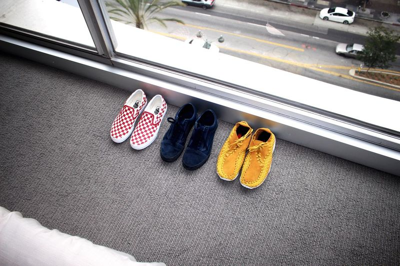 Out Of The Box Shoe Pair High Angle View No People Indoors  Los Angeles, California Los Ángeles Koreatown California Nike Openingceremony Vans Off The Wall Day Sneakers