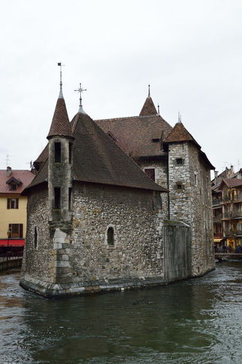 #Annecy #canaux #colored Houses #France #medieval Houses #medieval#town #old #oldpri #prison #Savoie #townscape #water #Winter #winter #wonderLand Architecture Culture Exterior Historic History Outdoors