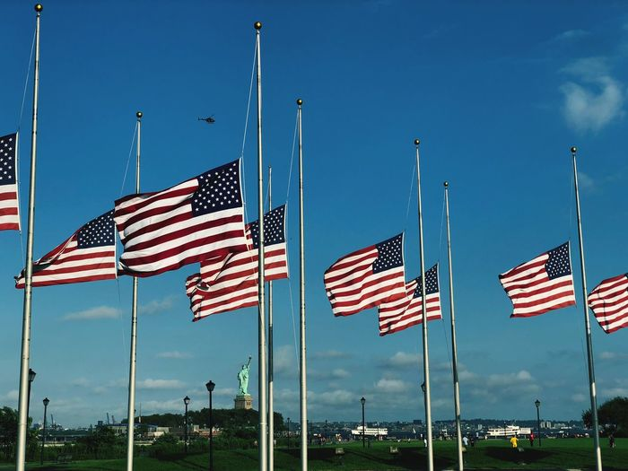 🗽 Labor Day Park Helicopter Statue Of Liberty Blue White Red Flag John McCain Half Staff Independence In A Row Park Helicopter Statue Of Liberty Blue White Red Flag John McCain Half Staff Independence In A Row