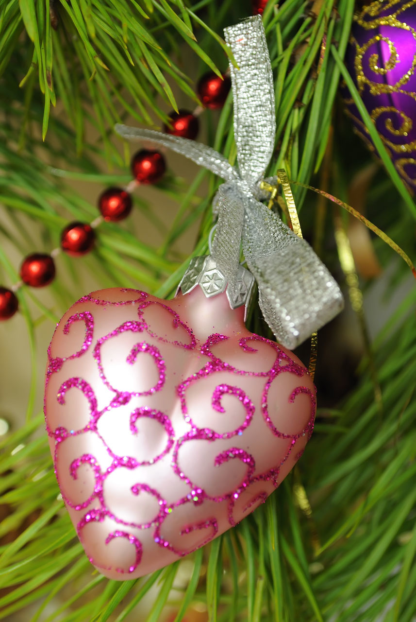 celebration, tradition, christmas, holiday - event, cultures, close-up, celebration event, focus on foreground, christmas tree, green color, tree, christmas decoration, growth, no people, hanging, easter, christmas ornament, nature, beauty in nature, indoors, day