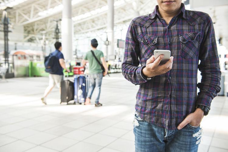Asian  Business Busy Japanese  Smart Working Asian Man Businessman Men Shop Smart Phone Smartwatch Subway Subway Station Watch