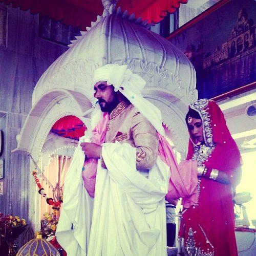 Vivaha ? Marriage  Wedding Mahjabi Maharashtrian sindhi gurudwara finally hitched red love bond forever instalike instapic instalove pheras vivaha instahappiness traditional culture indian dearestestfriend Made with Pixlr
