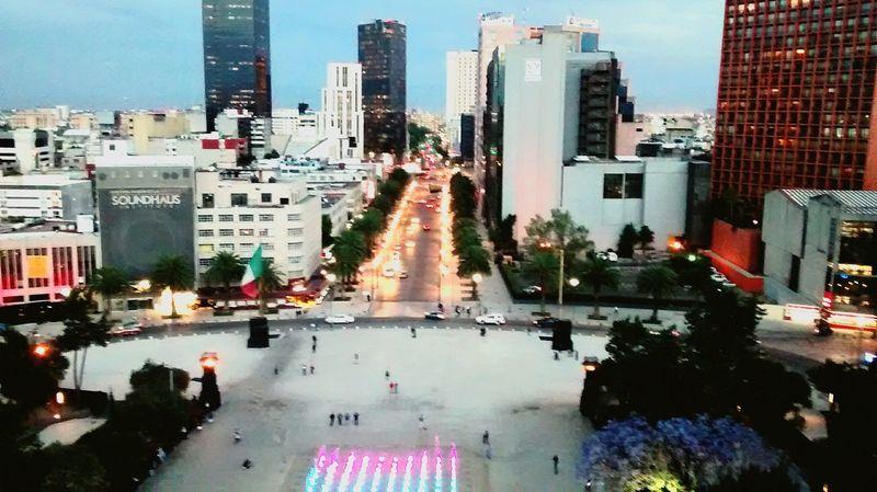 La Ciudad Monumento A La Revolucion Mirador Luces De La Ciudad Fuente Toma Perfecta!