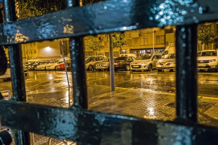encerrados por la lluvia. 111-365 Proyecto 365 Dias Rx100mk2 Nocturna Rain