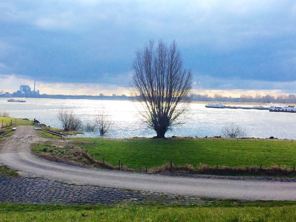 How Do We Build The World? Water Rising Waal Netherlands Boats River Global Warming Effect Solution Nijmegen Economics Transportation