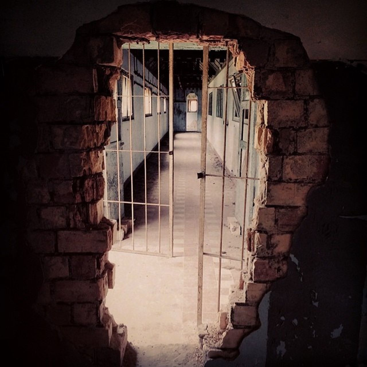 architecture, abandoned, window, brick wall, built structure, indoors, no people, day, prison