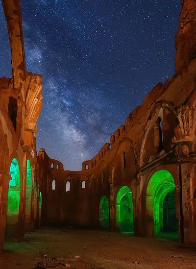 Belchite's ruins SPAIN Belchite Religious Architecture Religious  Religion Chatedral Abandoned Buildings Abandoned Places Abandoned Night Star - Space Arch Architecture Ancient Old Ruin Travel Destinations Astronomy Milky Way Sky No People Outdoors Sculpture Going Remote