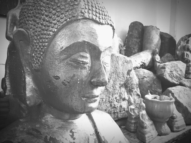 Beautiful culture Thailnnd Culture And Tradition Cultures Asianlifestyle Buddahs In Thailand Buddah Head Buddaimage Art And Craft Sculpture Statue Religion Belief Creativity