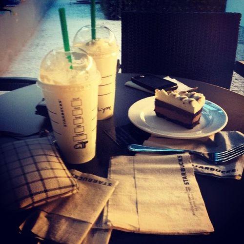 Breaktime Starbucks Centurycitymall Fridaycoffee