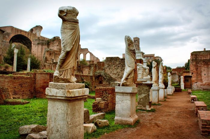 Foro Romano Italy Italia Rome Roma Capital City Capital City Landscape Cityscapes Landscape_Collection Historical Site Sculpture Statue Historic City Historic Landscapes Historical Place Historical Monuments History Of Arts Italian_city Italianlandscape Roman Empire Roman Ruins Roman Forum Foro Romano Capital Cities  History Neighborhood Map Your Ticket To Europe