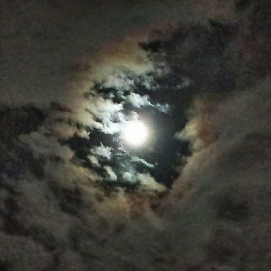 Supermoon viewed trough my Smartphonephotography P7taylor Epicearthco Epic Clouds Night Fun Tampa Bay Cool