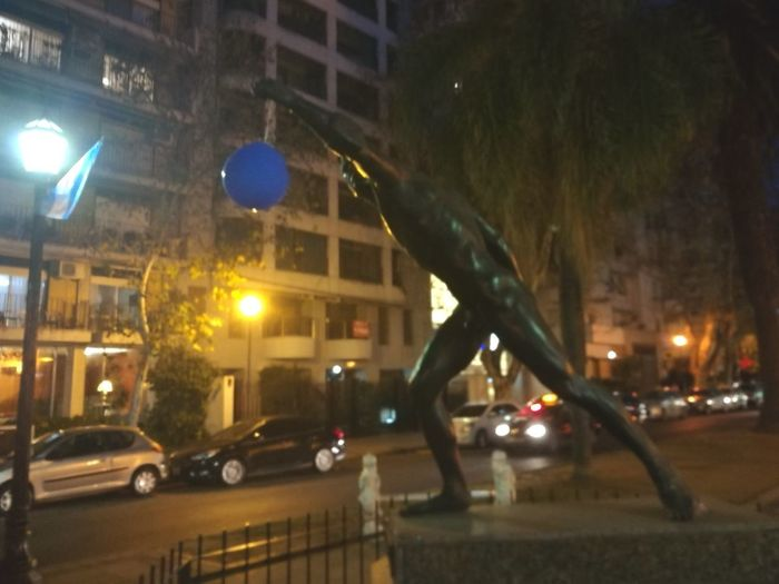 Street, city, statue, estatua, globo, Night Street City City Street Street Light City Life Cityscape Architecture ; Argentina Park - Man Made Space