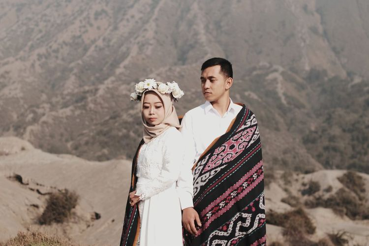 Pre-wedding photo session in bromo national park