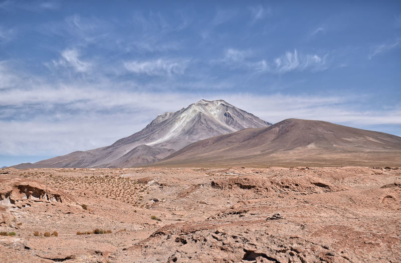 Ollagüe volcano visible from bolivian-chilean border