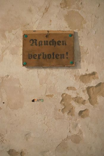 rauchen verboten altes Schild Text No Smoking Sign Rauchen Verboten Western Script Wall - Building Feature Built Structure No People Information Script Non-western Script Information Sign Guidance Building Exterior Capital Letter Close-up Old Wall Day Inside EyeEmNewHere