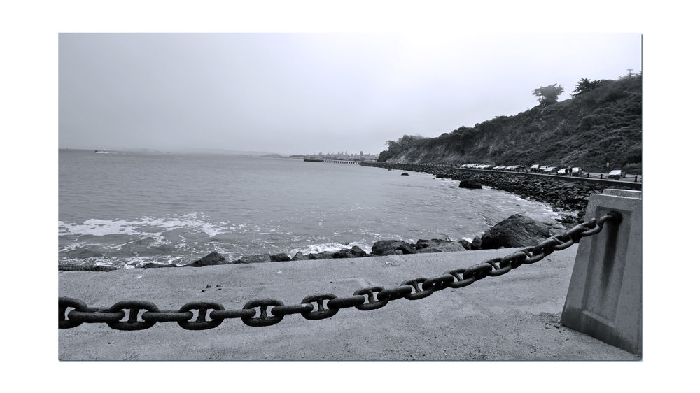 Chain Link Barrier @ Fort Point 1 Waterfront♥ San Francisco CA🇺🇸 Promenade Coastline Monochrome Photograhy Monochrome Sea San Francisco Skyline West Bluffs Shoreline Black & White Black And White Photography Black And White Black And White Collection  Antique Chain Link Fort Point Scenic Fog Landscape_Collection Landscape_photography