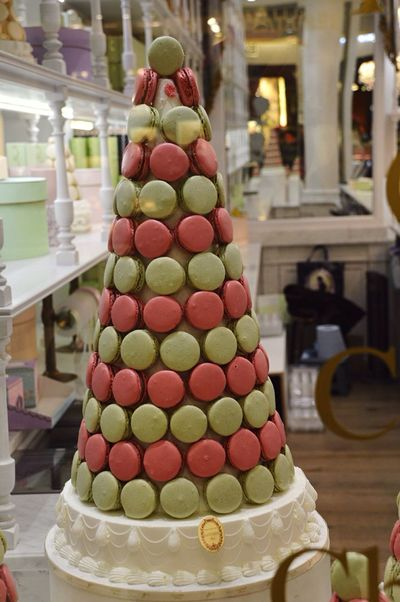 Cake Gateau Aeroport Cdg Macarons Widing Taking Photos Enjoying Life Nikon D3200 D3200 Nikon France Paris Macanao Sweet Candy 18-135mm Nikonphotography