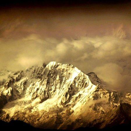 Mountain Kanchendongza Kanchenjunga Moto_touring MotoTrips Gallivant_Biking Gallivant West_bengal Scenery Clouds
