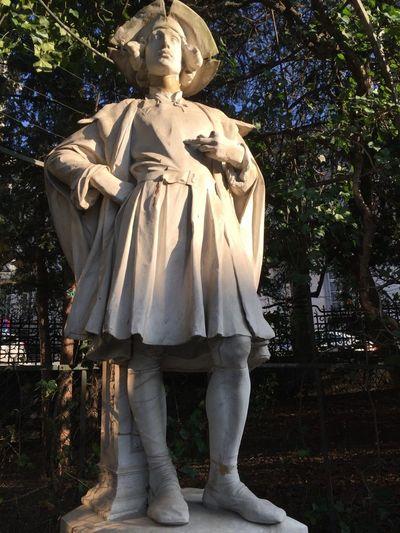 Petit sablon - un jardin de sculptures