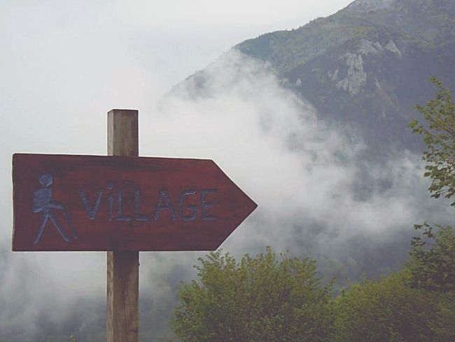 Following the trail Frame It! France Les Pyrenees S Qi Mist Mountains Clouds Rain Novice Photography