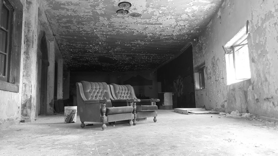 Abandoned Hotel Eremo, Mount Vesuvius, Pompei, Italy - July 2015 Abandoned Buildings Abandonedhotel Blackandwhite Hoteleremo Italy Mountvesuvius Photography Pompéi Travels Showcase July