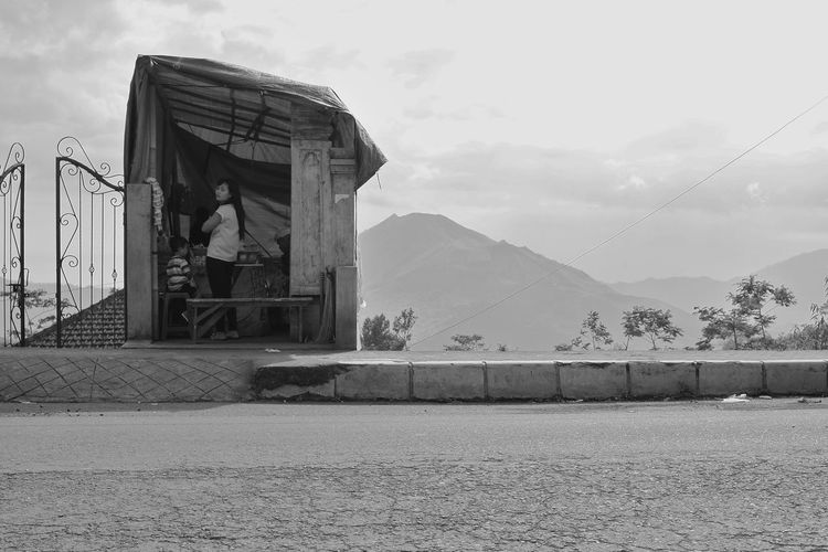 high up on the batur caldera bali ASIA B&w Street Photography Bali Black And White Black And White Photography Blackandwhite Daily Life Food Stall Human Interest INDONESIA Portrait Of A Woman Street Photography Travel Photography Volcano Warung