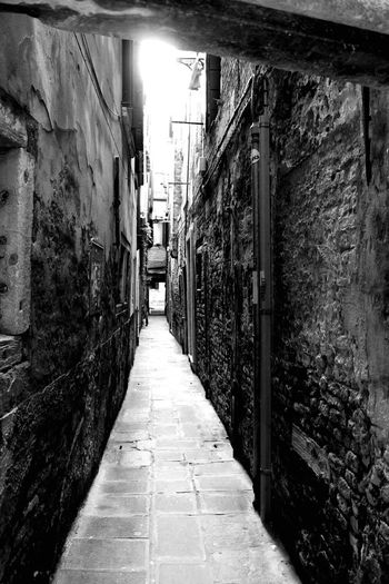 Building Exterior Street Walkway City Long Oldcity Venice Venice Venice Grey