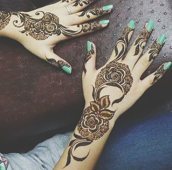 Taking Photos Hello World First Eyeem Photo Hello World Ramadan Kareem Check This Out Eid Mubarak Henna Art Henna Tattoo ❤ Henné ♡♡